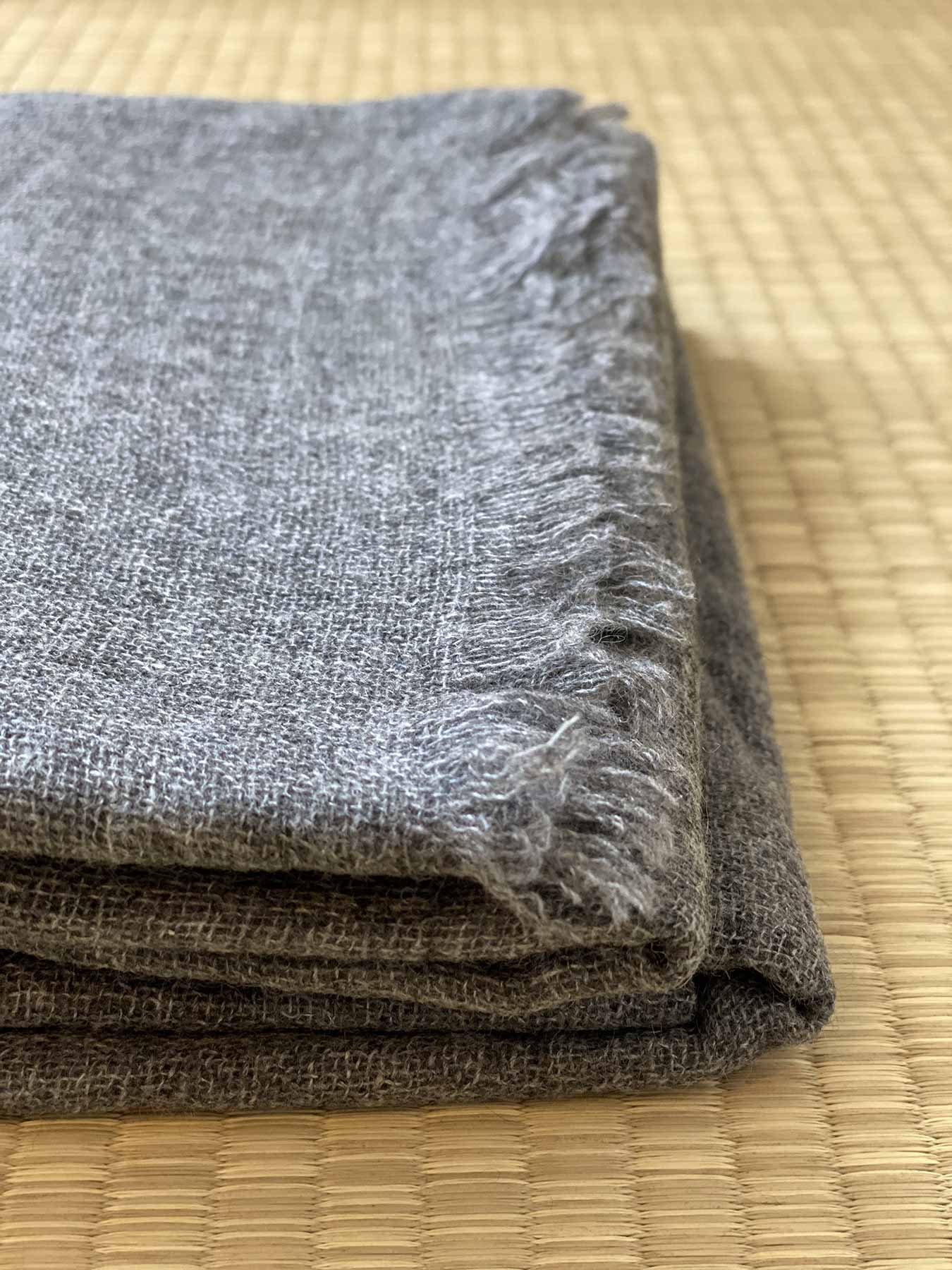 Airy Cashmere Shawl Charcoal 3