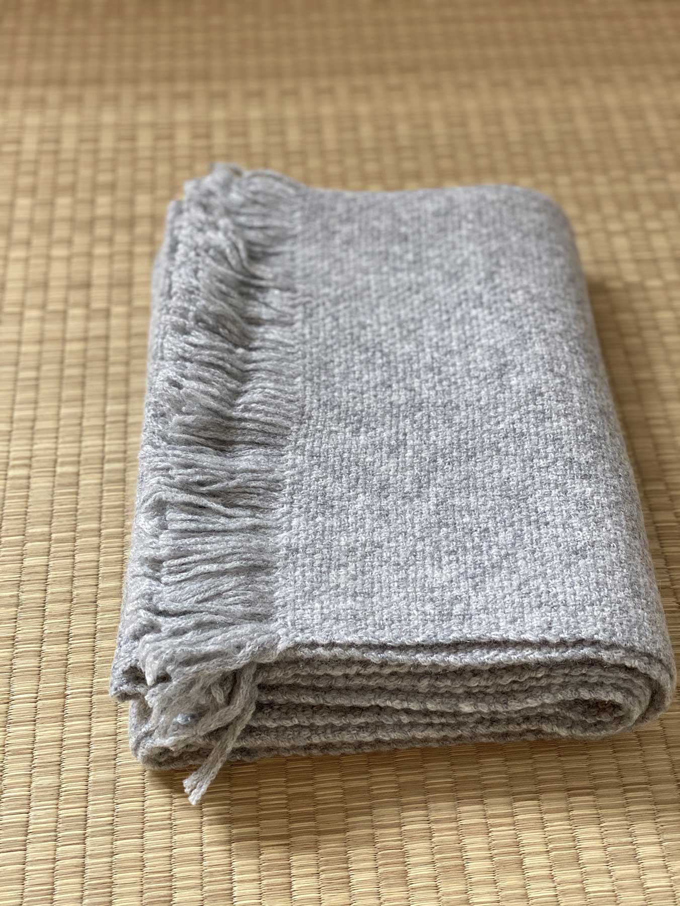 Classic Knitted Cashmere Scarf Grey 2