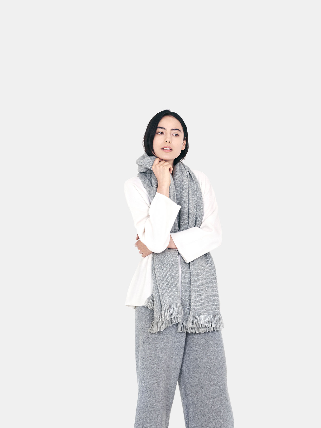 Classic-Knitted-Cashmere-Scarf-Grey-c.2.jpg