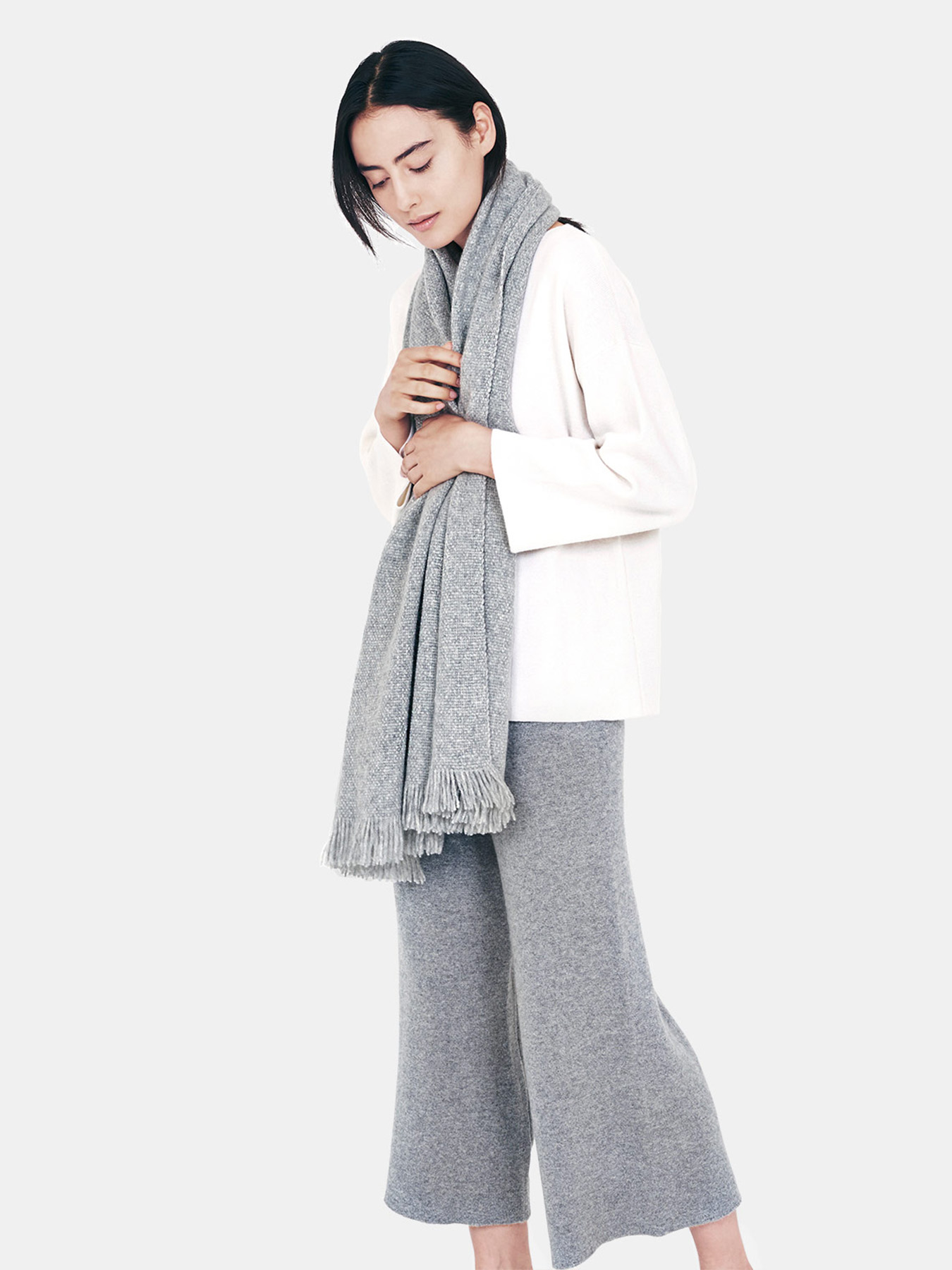 Classic-Knitted-Cashmere-Scarf-Grey-s2.20.jpg