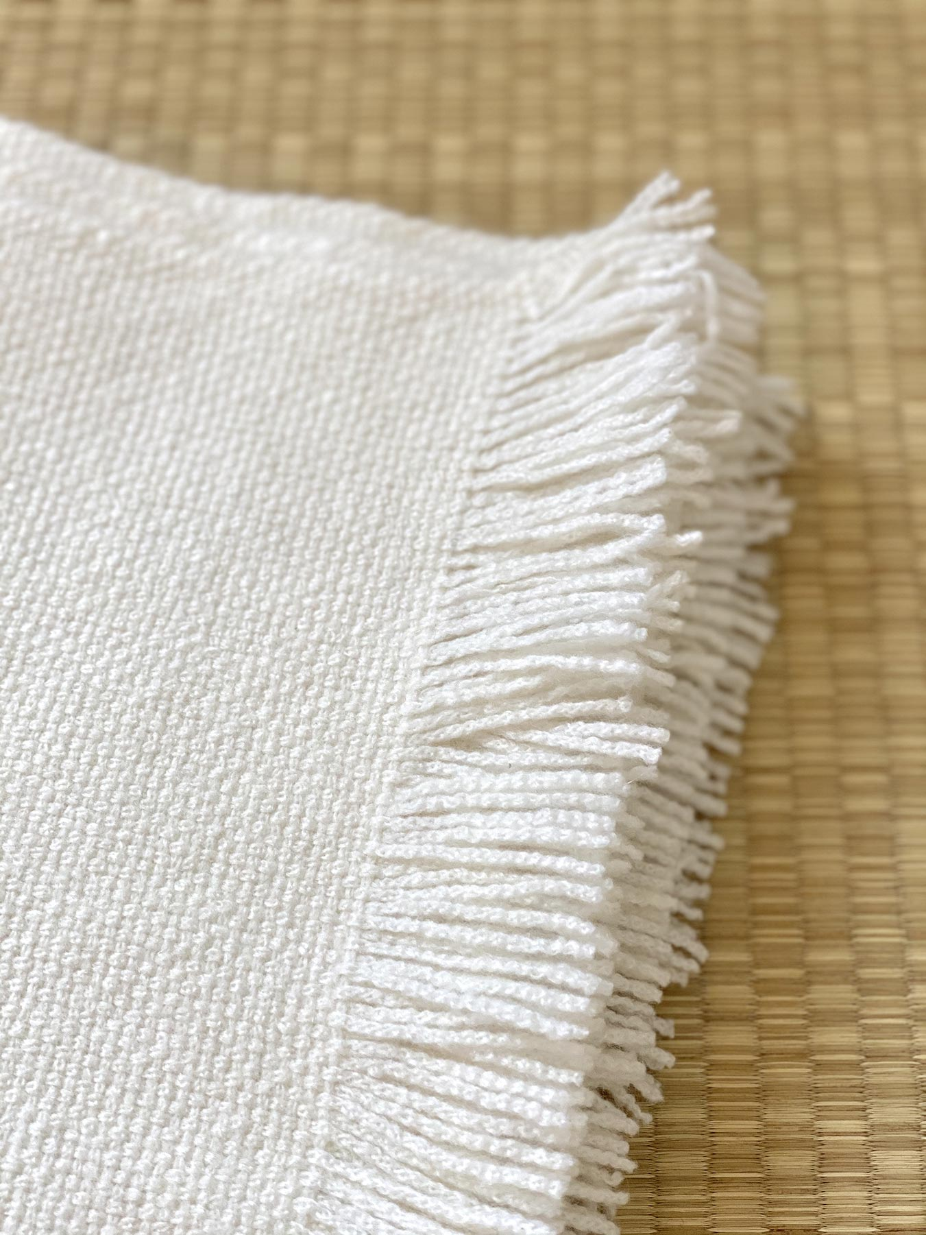 Classic Knitted Cashmere Scarf Ivory 2