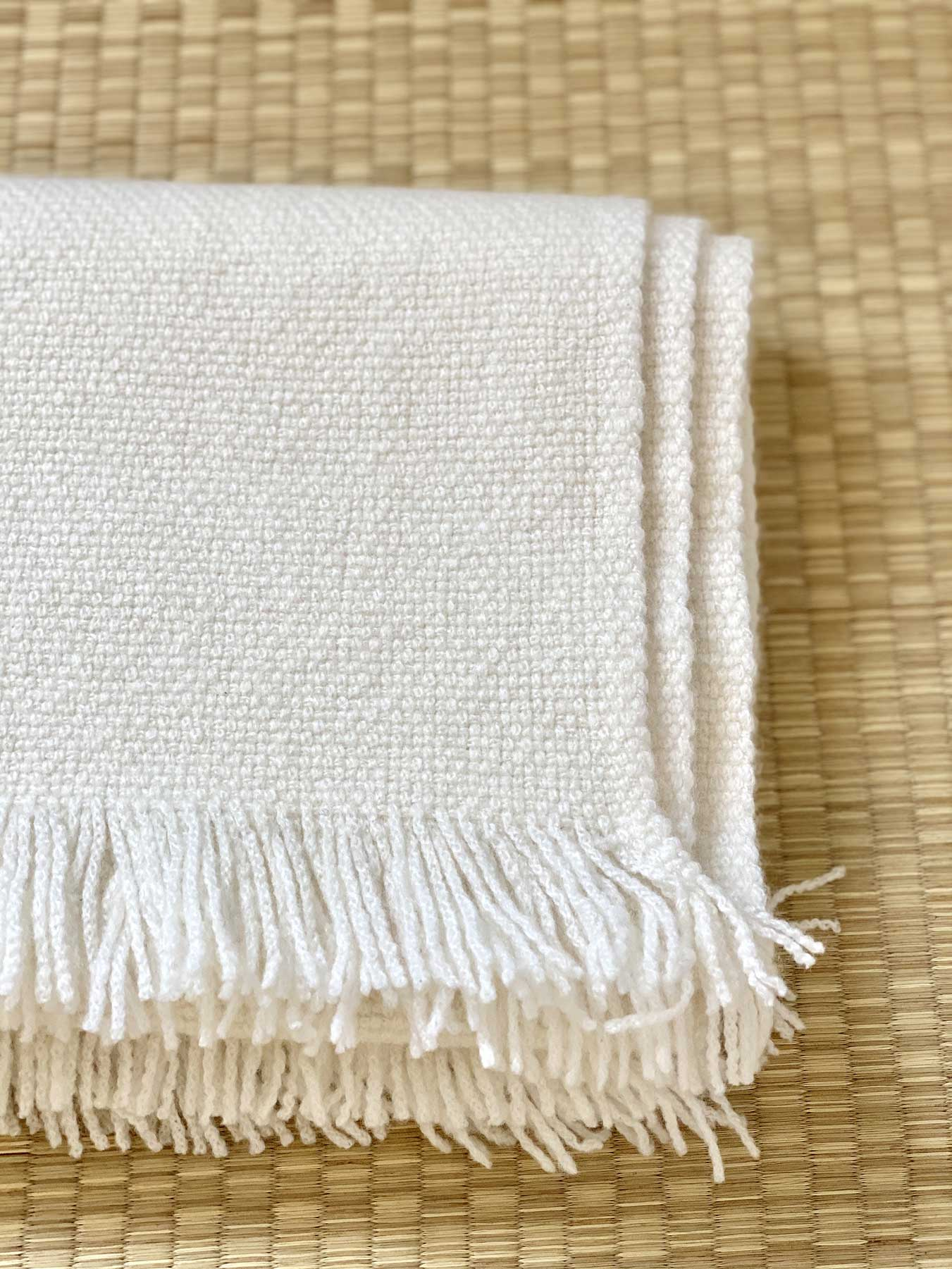 Classic Knitted Cashmere Scarf Ivory 3