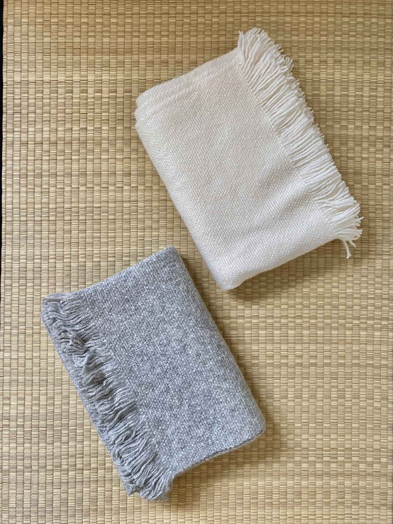 Classic Knitted Cashmere Scarf Ivory 4