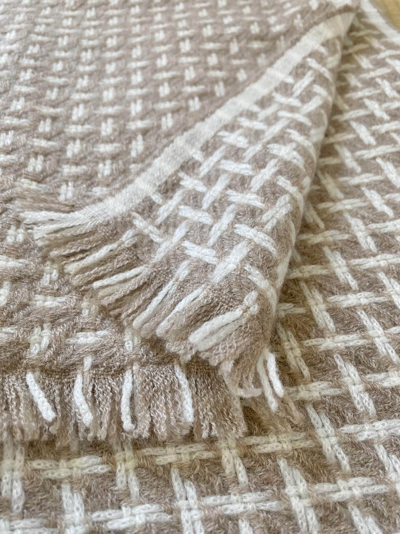 Cross Pattern Twill Cashmere Scarf Latte 4