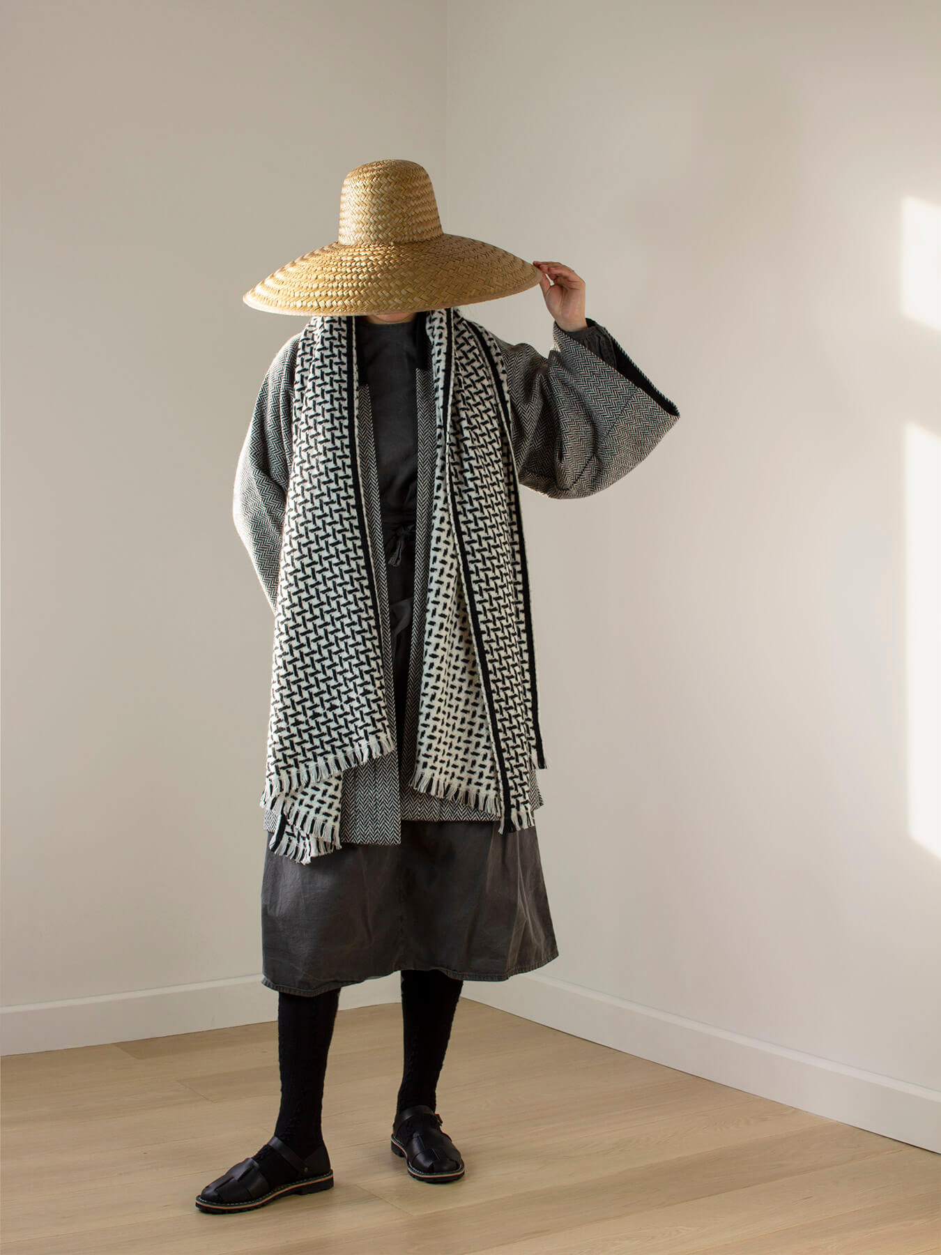 Cross Pattern Twill Cashmere Scarf Monochrome 1