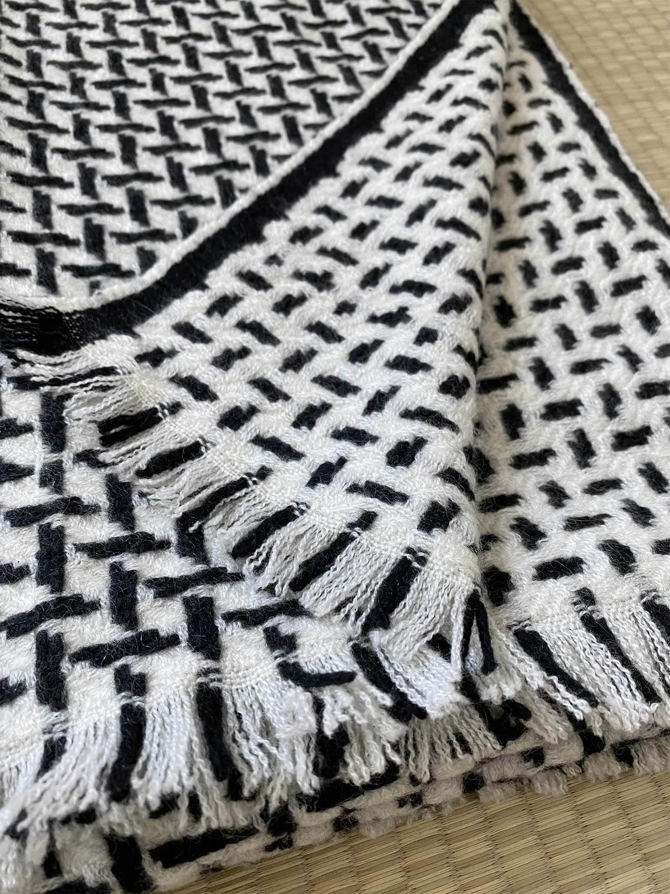 Cross Pattern Twill Cashmere Scarf Monochrome 5