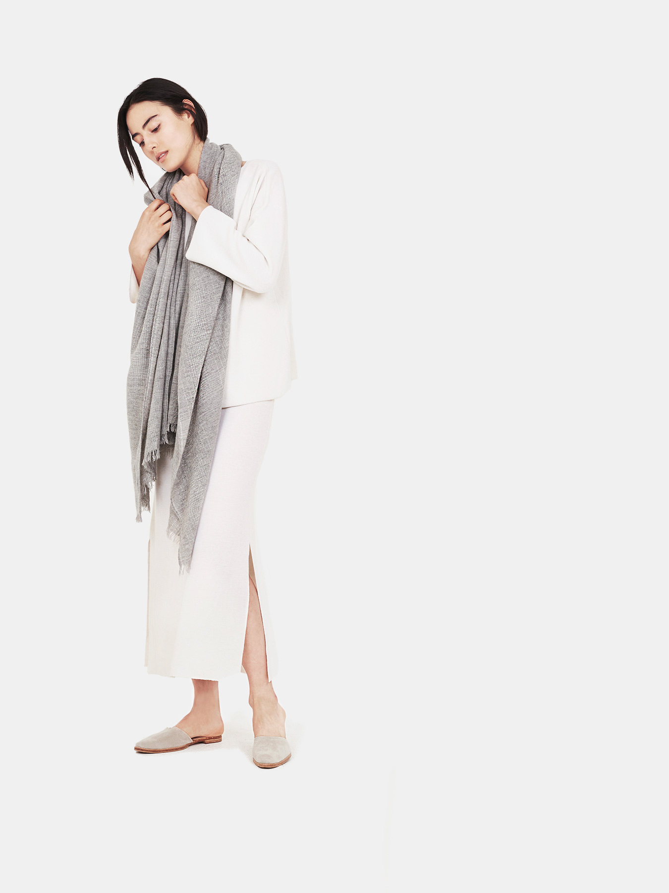 Essential-Grey-Cashmere-Shawl-s1.jpg