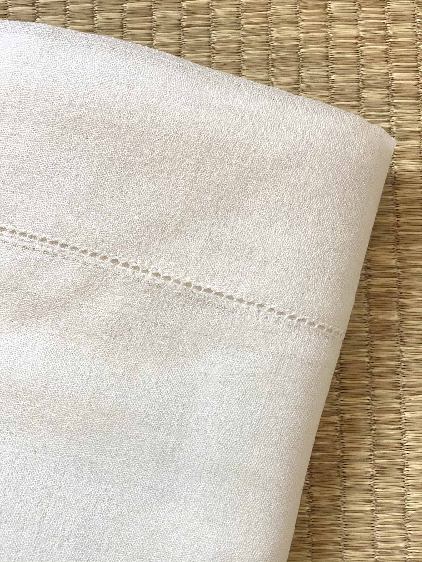 Feather Cashmere Wrap Ivory 2