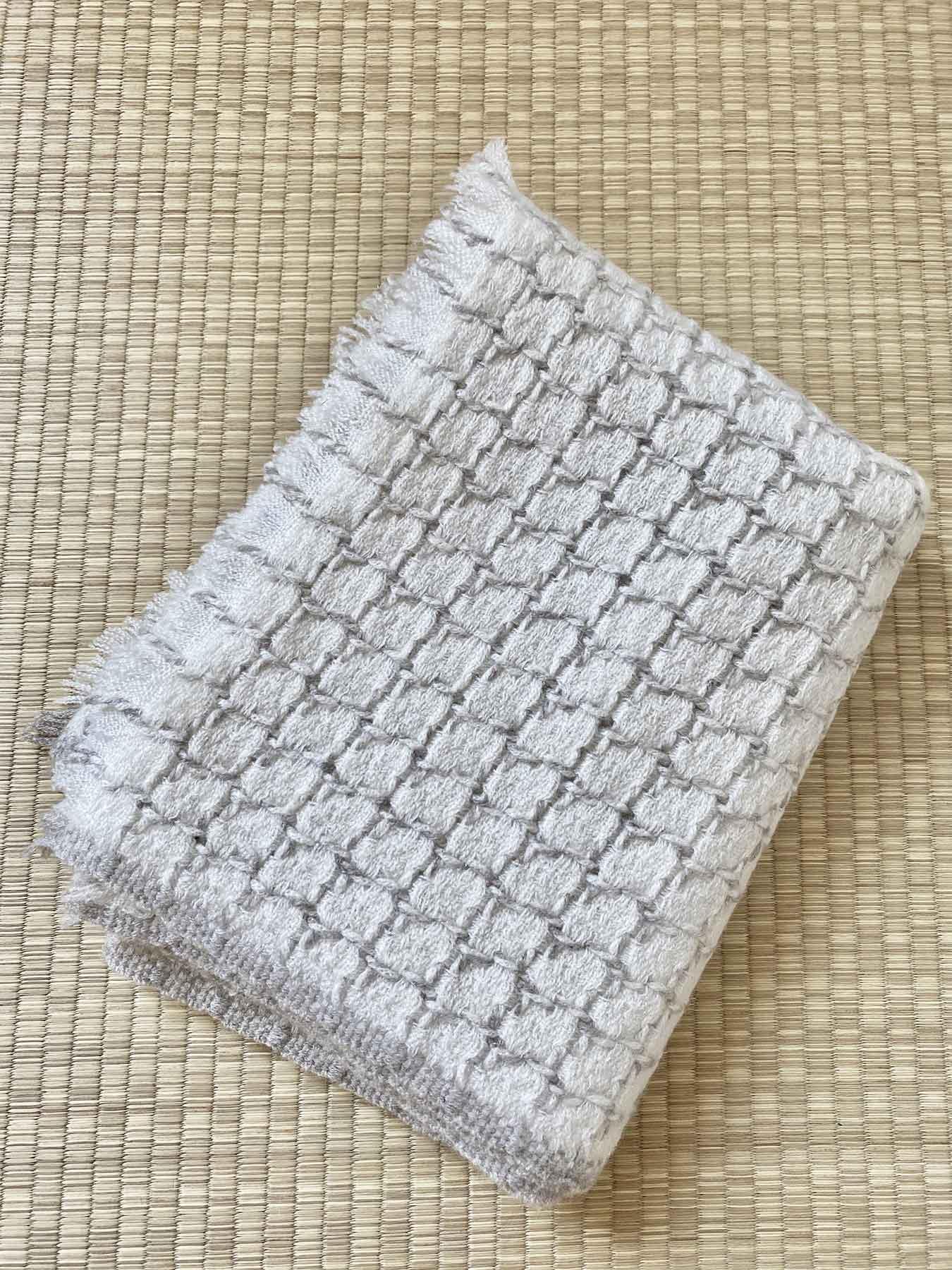 Grid Cashmere Scarf Coconut White 4