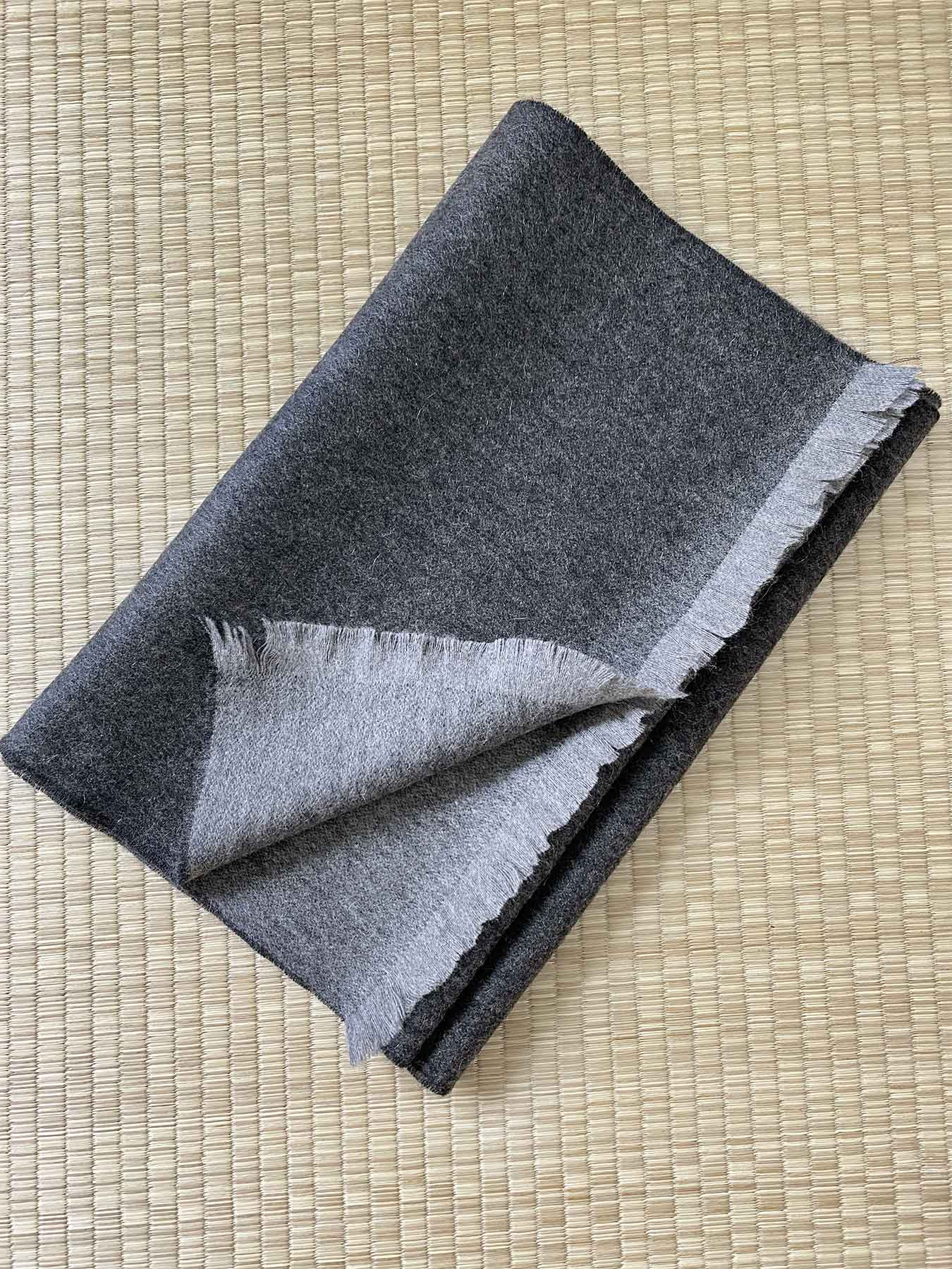 Timeless Reversible Cashmere Scarf Charcoal 4