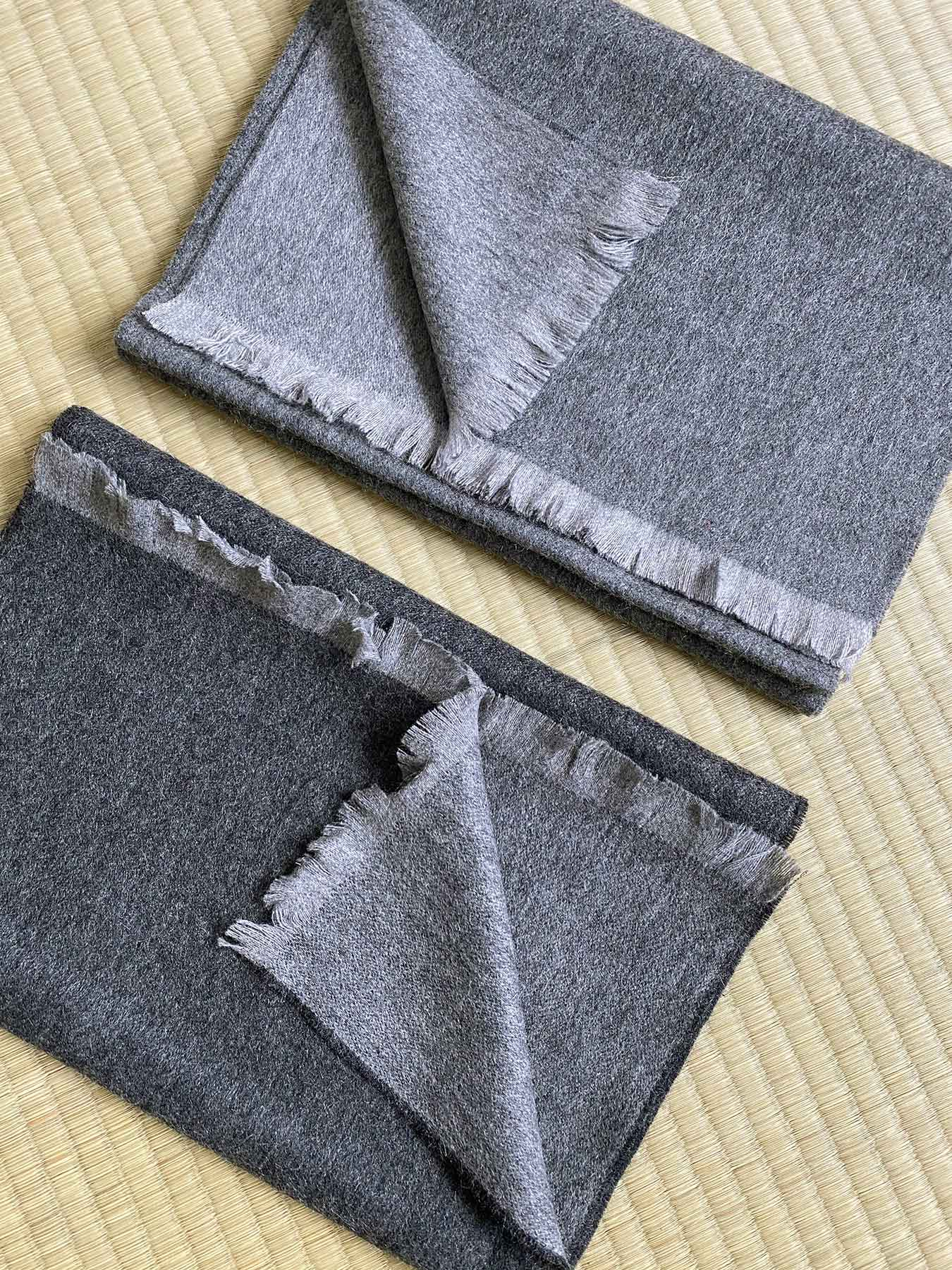 Timeless Reversible Cashmere Scarf Grey 3