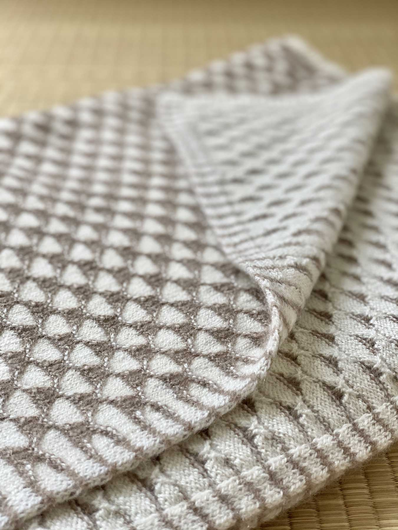 Two-Tone Lattice Knitted Cashmere Wrap 4