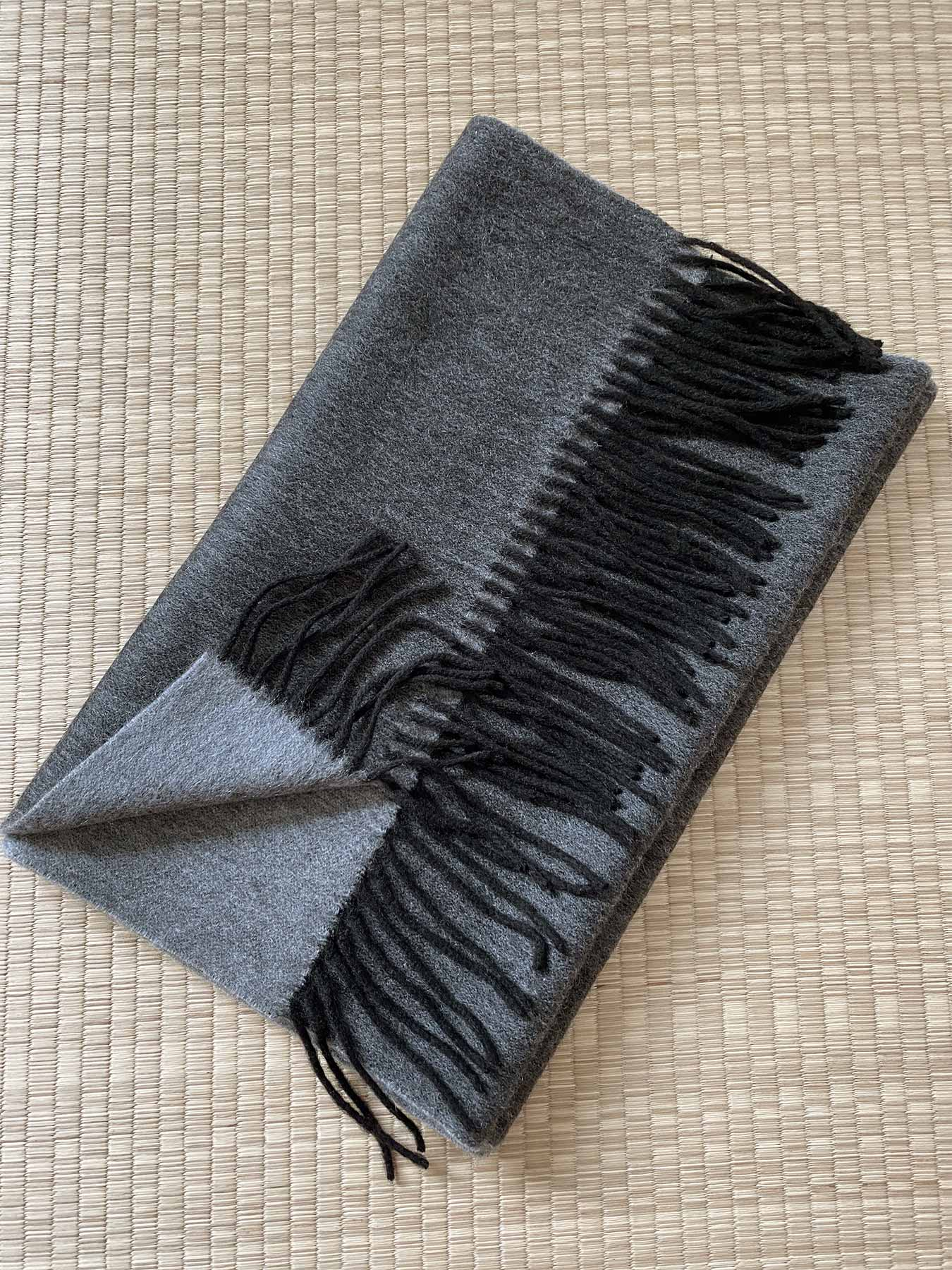 Two-Tone Reversible Cashmere Shawl Charcoal 4