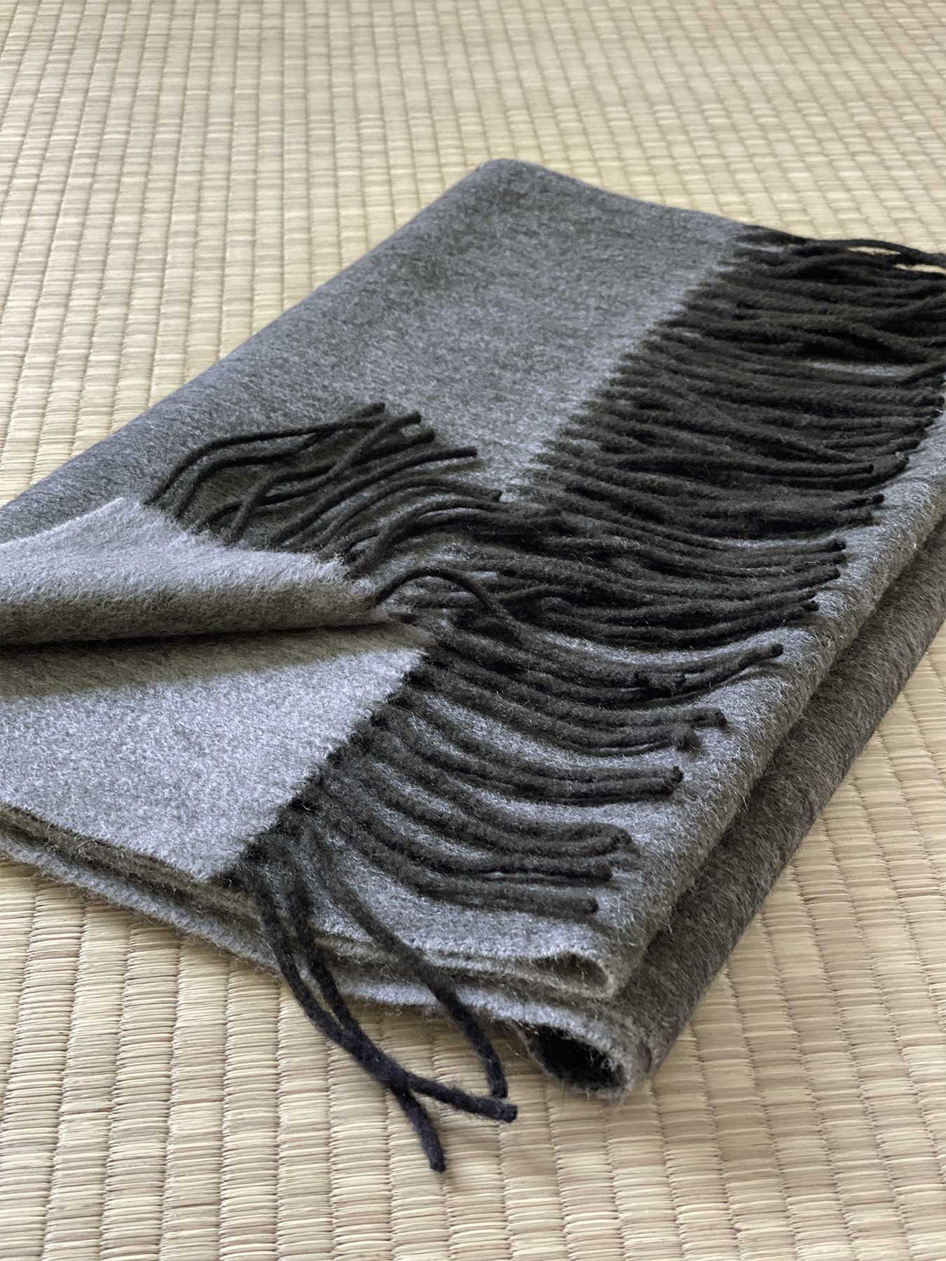 Two-Tone Reversible Cashmere Shawl Charcoal 5