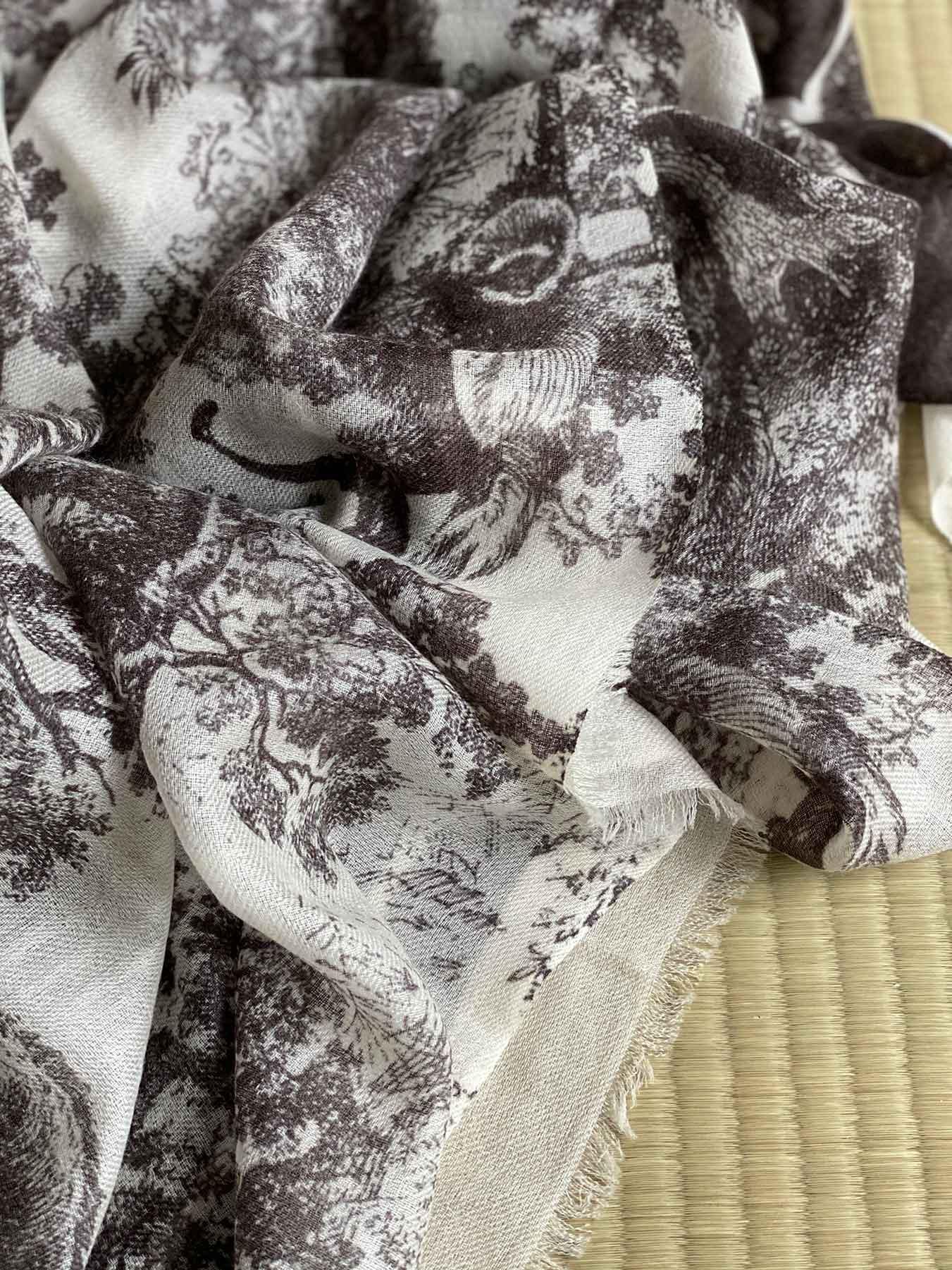Savanna Prints Cashmere Scarf Black 3