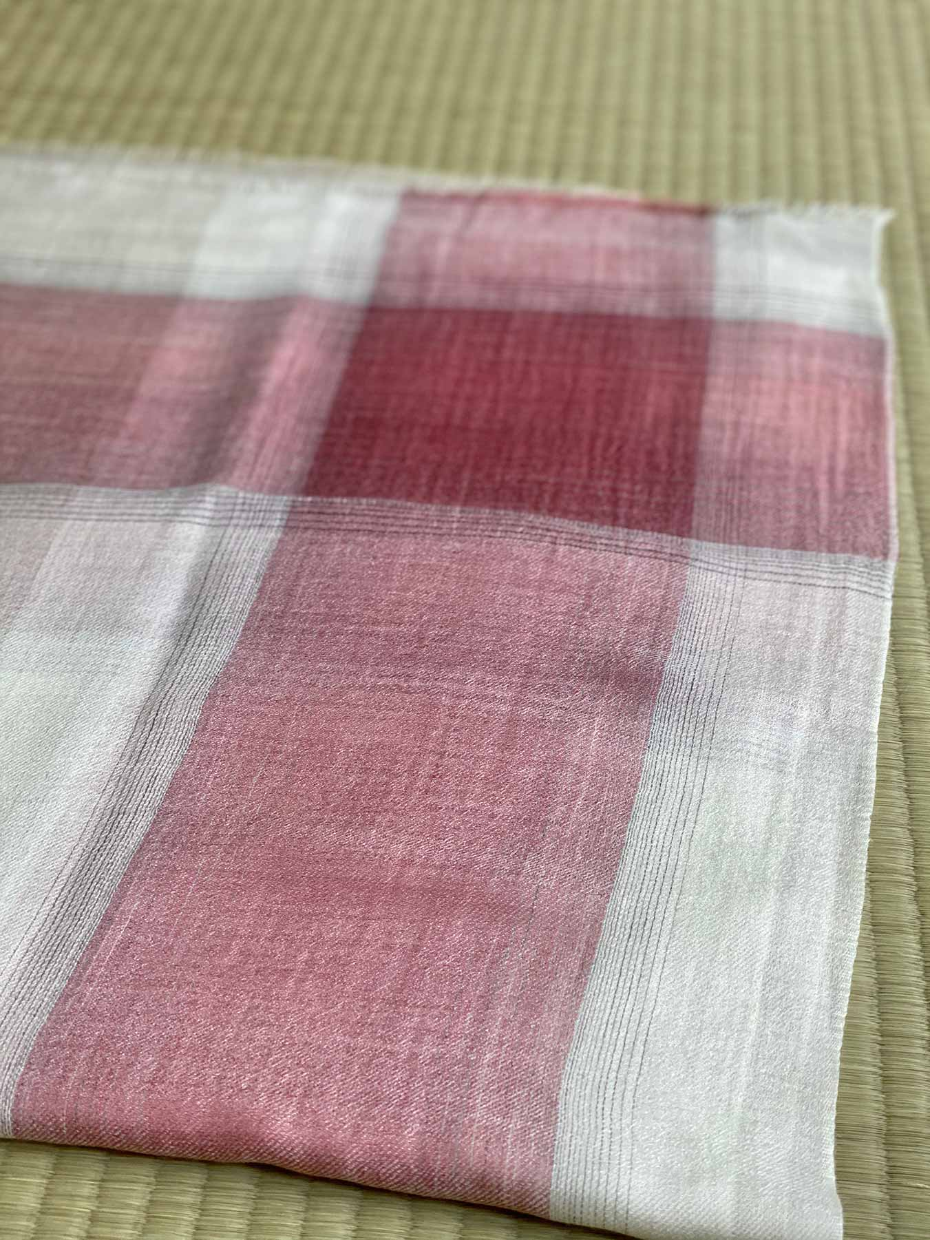 Semi-sheer Cashmere Scarf Rose Pink 3