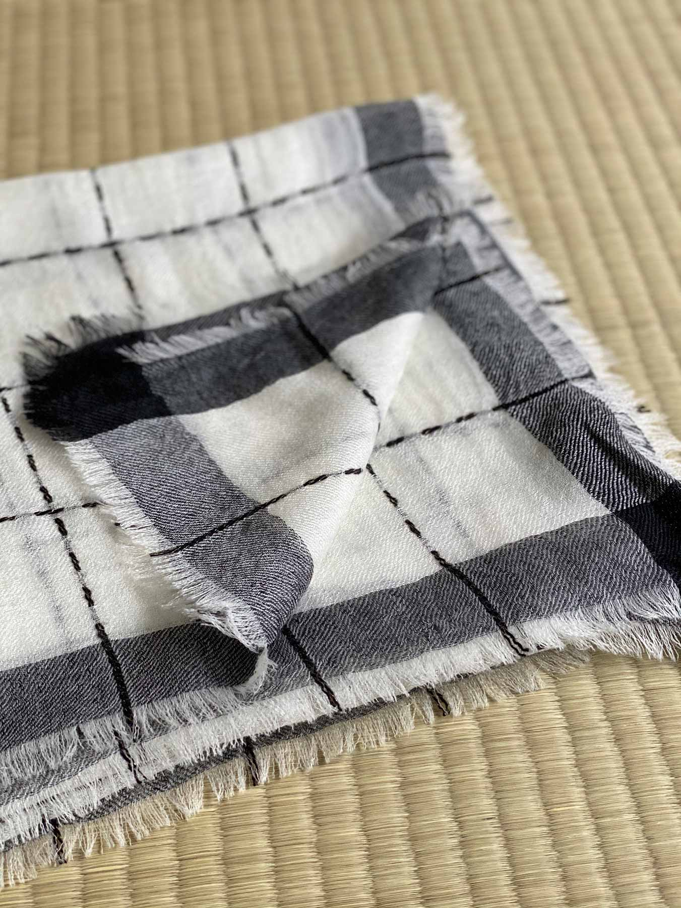 Superfine Cashmere Square Scarf Monochrome 2