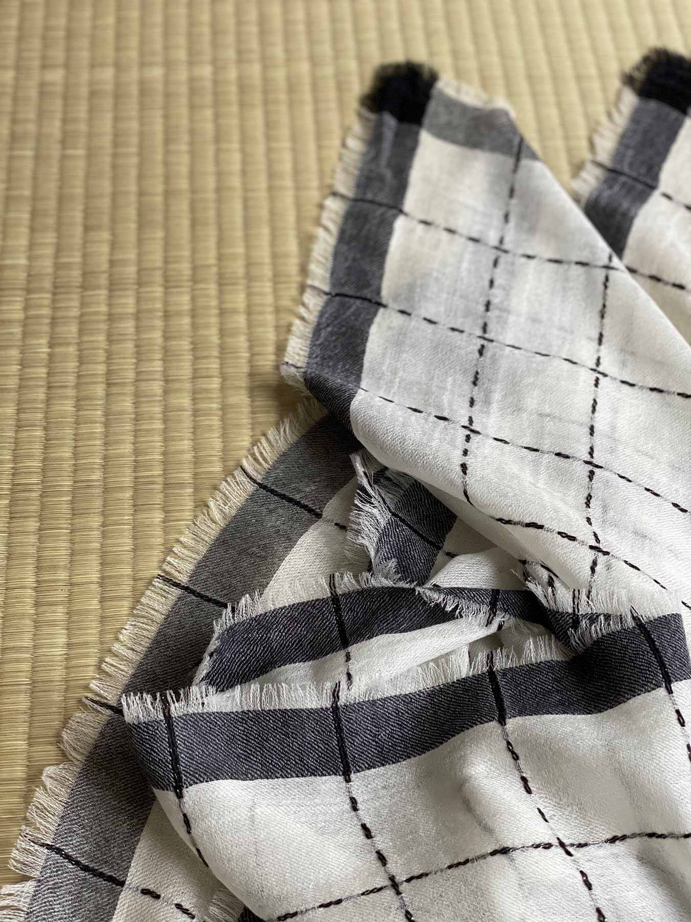 Superfine Cashmere Square Scarf Monochrome 5
