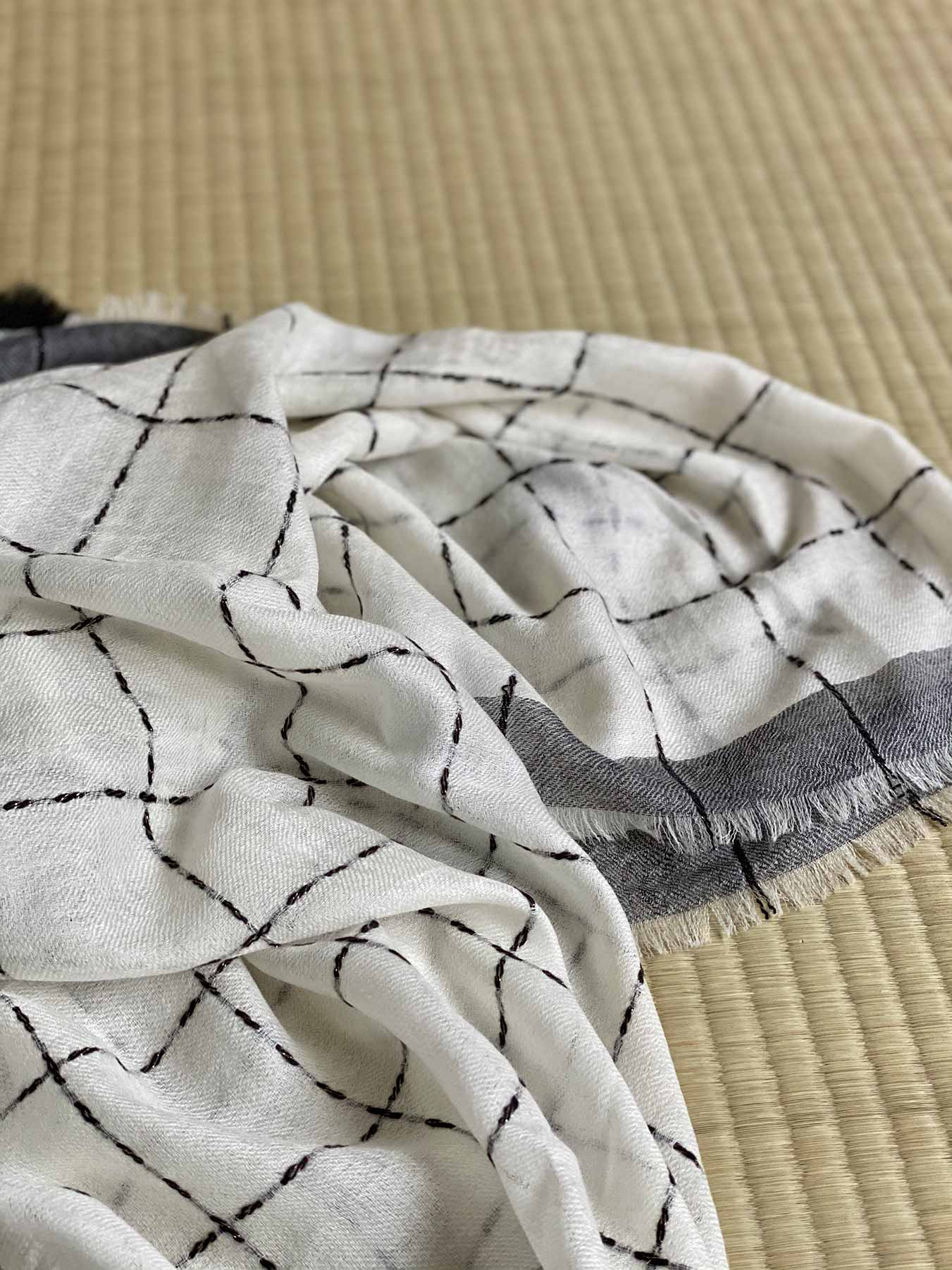 Superfine Cashmere Square Scarf Monochrome 7