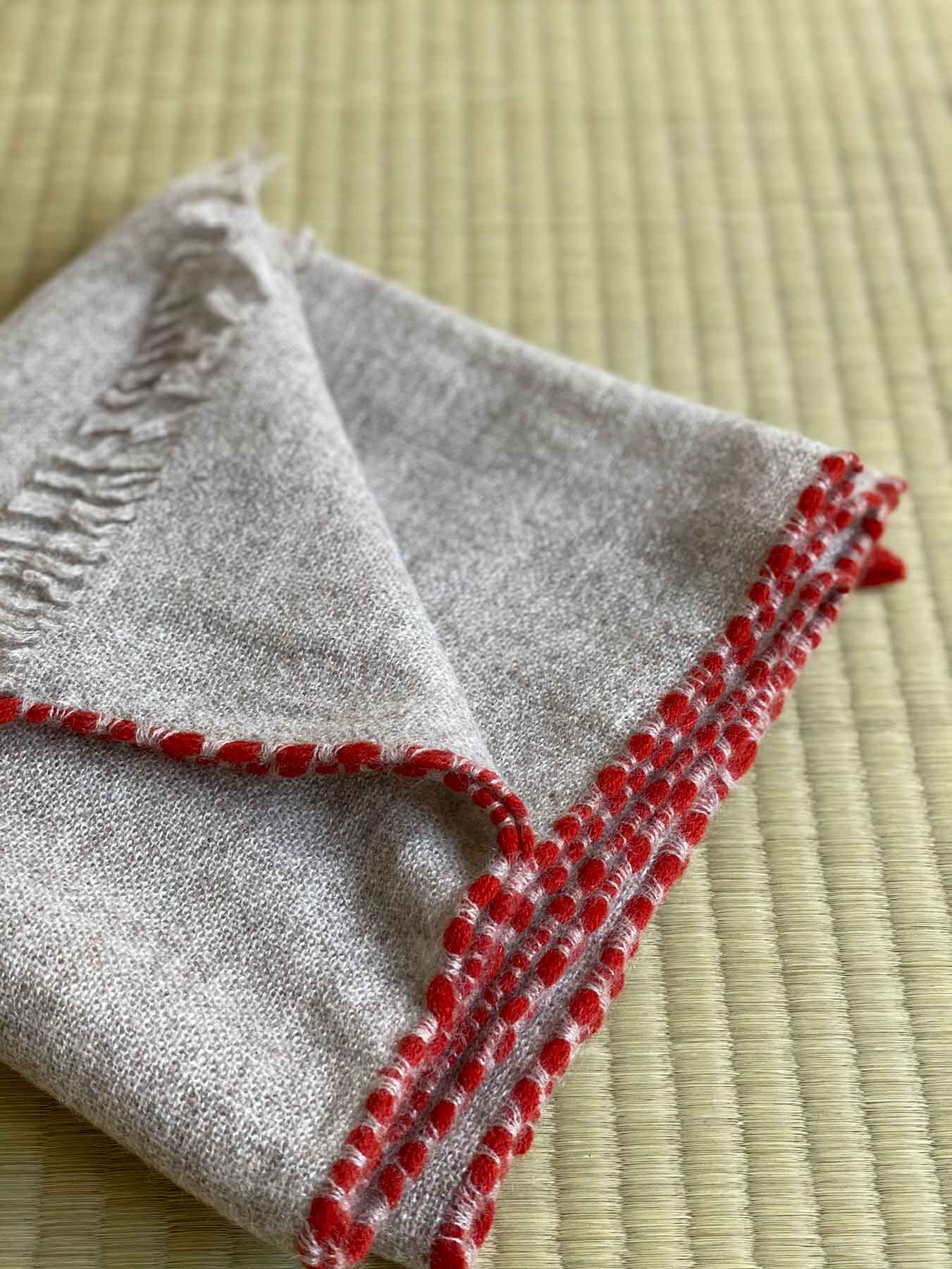 Weaver Cashmere Scarf Grey 3