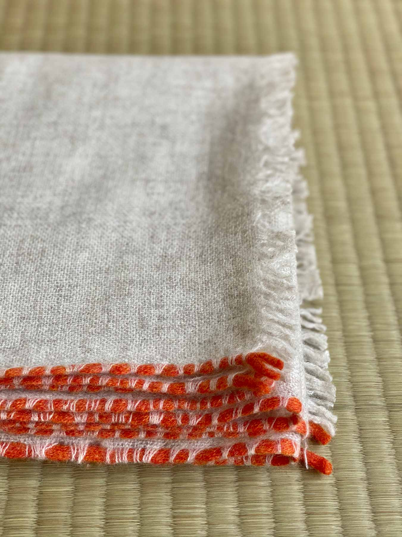 Weaver Cashmere Scarf Ivory 2