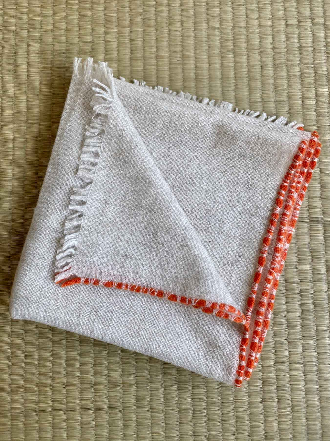 Weaver Cashmere Scarf Ivory 3