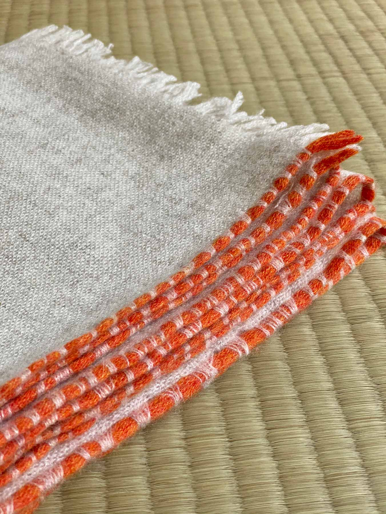 Weaver Cashmere Scarf Ivory 4