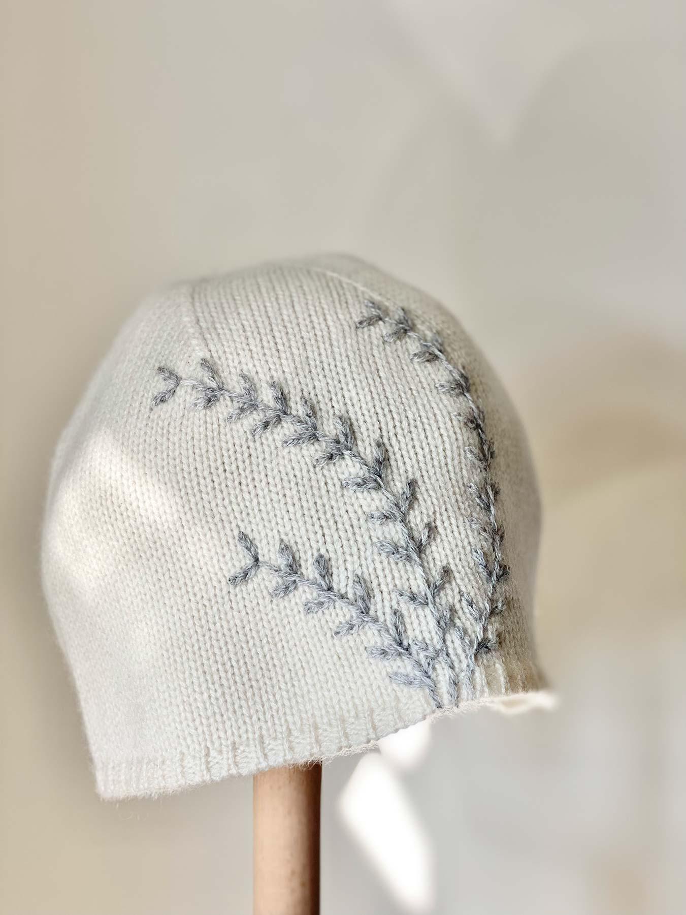 Leaf Cashmere Hat White 2