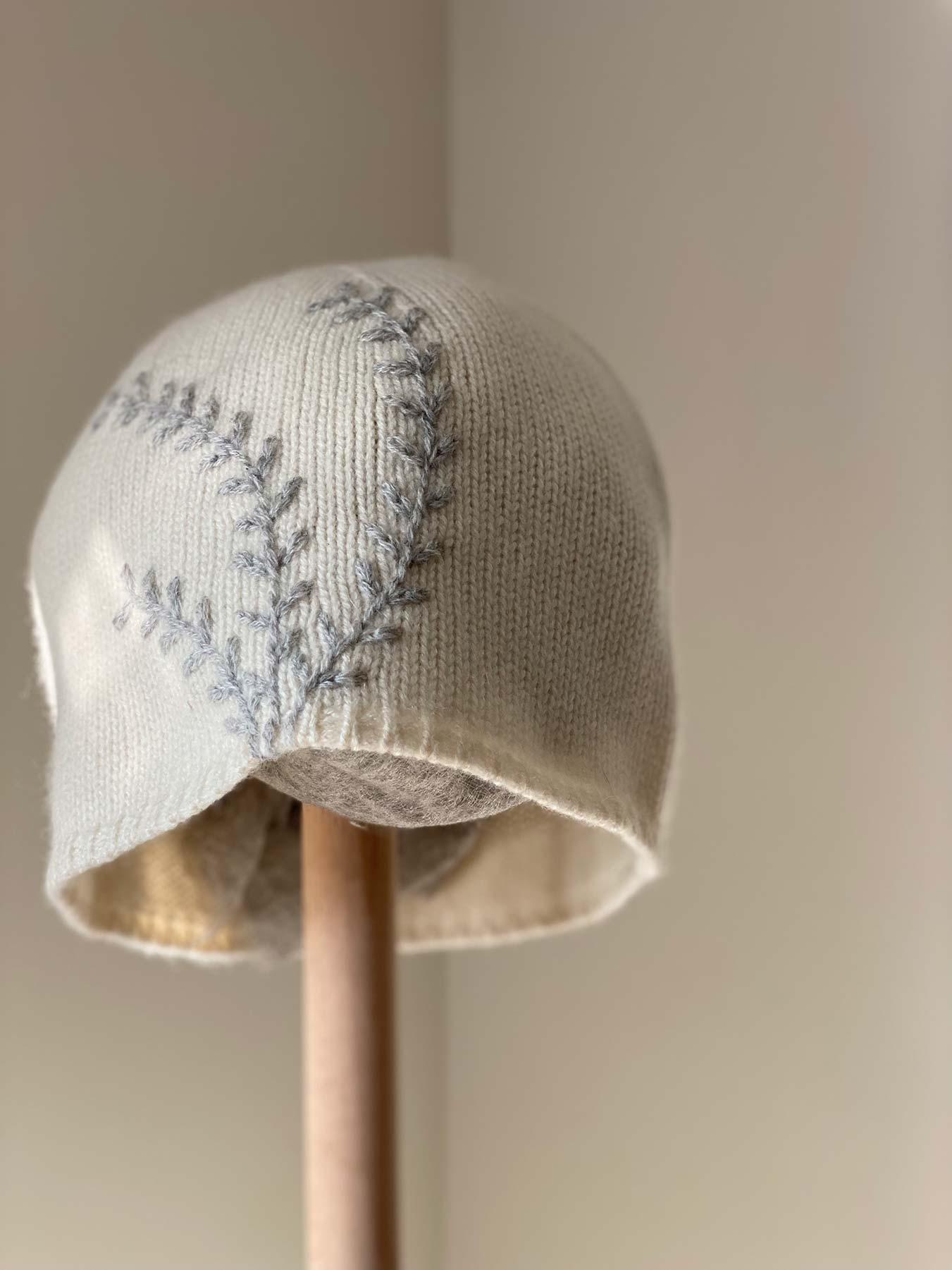 Leaf Cashmere Hat White 4